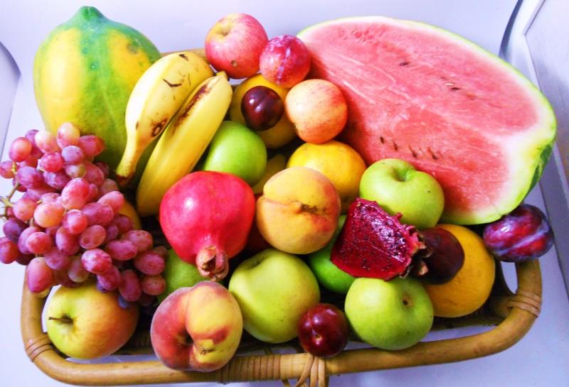 alimentação saudável com frutas